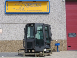 Construction cab New Holland Crawler Dozer (D255)