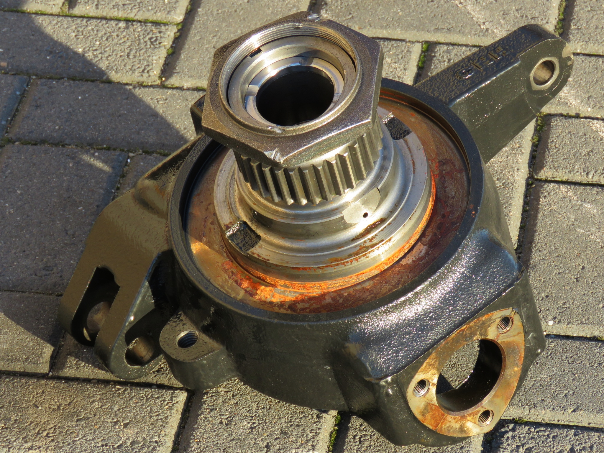 Steering knuckle -  Class IV